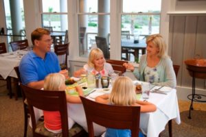 Tips for Dining Out with Small Children